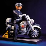 lizhanyang-Cat police colored fiberglass 83x75x44cm 2003